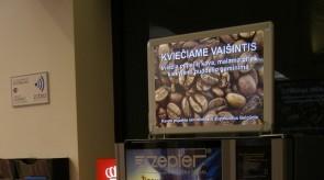 Šviečiantis stovelis kviečiantis vaišintis kava